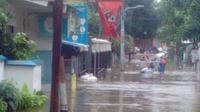Pedagang warung nasi terpaksa tutup karena tempat usahanya banjir (dok.suparti/Komarudin)