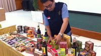 Badan Pengawasan Obat dan Makanan (BPOM) Republik Indonesia berhasil menemukan obat ilegal, obat tradisional ilegal mengandung bahan kimia obat
