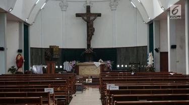 Suasana usai penyerangan Gereja St Lidwina Bedog, Sleman, Yogyakarta, Minggu (11/2). Penyerangan dilakukan oleh seorang remaja. (Liputan6.com/Arya Manggala)