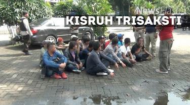 Sejumlah orang yang diduga preman yang menguasai kampus Trisakti telah digelandang ke Mapolda Metro Jaya. Mereka ada yang mengaku membela pihak Yayasan Trisakti, dan ada pula yang membela rektor lama, Thoby Muttis.