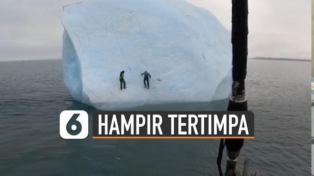 Pengalaman pahit untuk dua pendaki gunung ini. Karena hampir saja mereka tertimpa bongkahan es. Beruntungnya mereka selamat atas insiden ini.