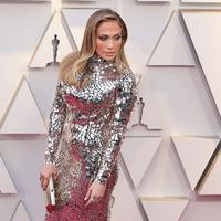 Jennifer Lopez hadir di Oscar Awards 2019 di  Hollywood, California, Amerika Serikat, 24 Februari 2019. (NEILSON BARNARD / GETTY IMAGES NORTH AMERICA / AFP)