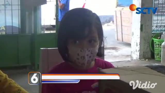 Kakak beradik bongkar tabungan untuk bantu pasien Covid-19 di Pacitan, Jawa Timur. Adinda Larasati berusia 11 tahun dan adiknya Arinda berusia 5 tahun berhasil mengumpulkan uang Rp 1,9 juta selama 4 bulan.