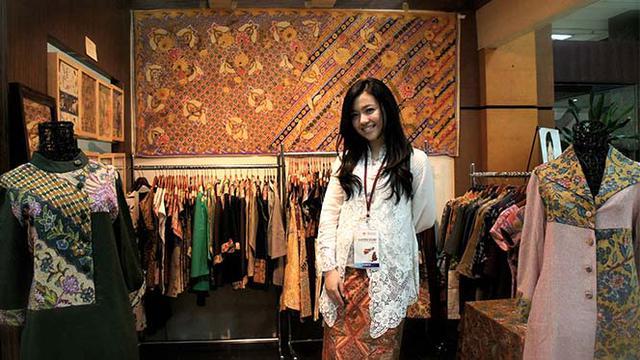 Dea Valencia: Gadis Muda Yang Bawa Batik ke Pasar Internasional