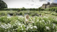 Kebun bunga istana Kensington disulap serba putih untuk mengenang Putri Diana.