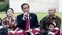 Presiden Joko Widodo atau Jokowi bertemu dengan para pelajar di halaman Istana Kepresidenan, Jakarta, Rabu 17 Mei 2017. (Liputan 6 SCTV)
