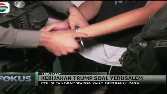 Mereka ditangkap atas tuduhan terlibat dalam bentrokan ketika berunjuk rasa.