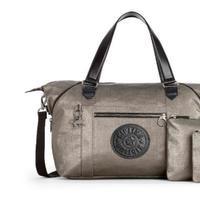 Kipling merancang sebuah tas yang serbaguna namun tetap fashionable (Foto: Kipling)