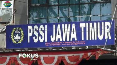 Dalam penggeledahan, Satgas Antimafia Bola mencari berkas terkait sejumlah pertandingan sepak bola yang berlangsung di Jawa Timur.