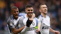 Striker Inter Milan Mauro Icardi merayakan golnya ke gawang Sampdoria dalam lanjutan Liga Italia di Stadion Marassi, Minggu (18/3/2018) malam WIB. Icardi mencetak empat gol dalam yang berakhir 5-0. (MARCO BERTORELLO / AFP)