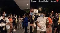 Momen Perayaan Ultah Fera Feriska di Lokasi Syuting Love Story. (Sumber: Instagram.com/jenni.napper)