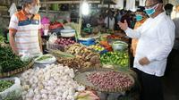 Di pasar tradisional tersebut, Akhyar ingin memastikan kedisiplinan masyarakat, baik pedagang maupun pengunjung pasar dalam penggunaan masker