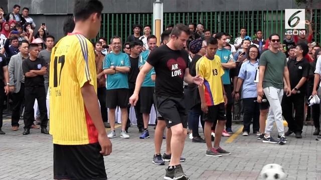Alessandro Del Piero untuk pertama kalinya menapakan kakinya di Kota Medan untuk mencari pemain sepak bola berbakat yang akan dibina menjadi pemain profesional di Belgia.