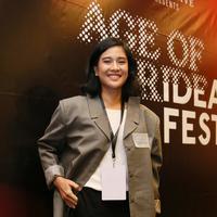 Dian Sastrowardoyo acara IDEAFest 2019. (Adrian Putra/Fimela.com)