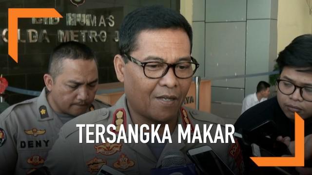 Mantan Kapolda Metro Jaya Komjen Polisi Purnawirawan Sofyan Jacob ditetapkan menjadi tersangka makar. Penetapan ini berdasarkan pemeriksaan saksi dan gelar perkara yang dilakukan polisi.
