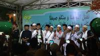 Takbiran di Petamburan, Anies Janji Lanjutkan Tradisi Takbir Keliling. (Liputan6.com/Delvira Hutabarat)
