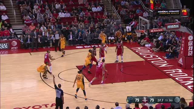 Berita video game recap NBA 2017-2018 antara Houston Rockets melawan Utah Jazz dengan skor 120-99.