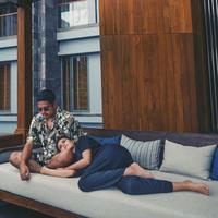 Petra Sihombing dan Firrina Sinatrya, sebelum memutuskan untuk menikah pada bulan Maret mendatang, keduanya telah menjalani hubungan sebagai pasangan kekasih sejak tahun 2015 silam. (Instagram/aquilafirrina)
