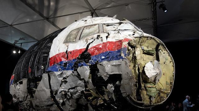 Puing-puing MH17 yang direkonstruksi sempat dipamerkan di Gilze-Rijen, Belanda (AP Photo/Peter Dejong, File)