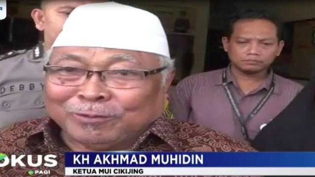 Menurut pihak keluarga, korban adalah pedagang dan warga biasa yang memang rajin pergi ke Masjid untuk menjalankan sholat lima waktu.