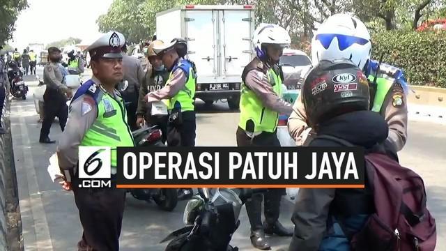 Operasi lalu lintas bersandi Operasi Patuh Jaya 2019 kembali digelar oleh Polda Metro Jaya. Operasi ini digelar selama 14 hari dari 29 Agustus 2019 hingga 11 September 2019.
