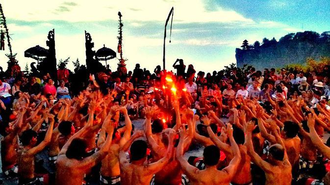 6 Simbol Budaya Indonesia yang Masuk Hollywood dan Drama