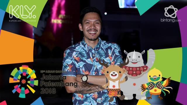 Dukungan Reza Nangin dan Sang anak beri dukungan dan semangat untuk para atlet bulutangkis Indonesia yang akan bertanding hari ini.