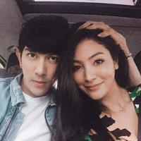 Faye Malisorn memamerkan kemesraannya dengan lelaki lain, bukan dengan Ivan Gunawan (Instagram/@faye_malisorn)