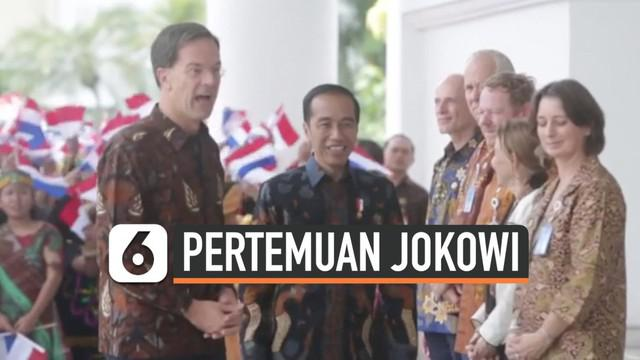Presiden Joko Widodo menerima Perdana Menteri Belanda Mark Rutte di Istana Bogor. Jokowi dan Rutte kompak menggunakan batik selama pertemuan.