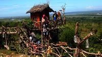 Selain Pulau Giliyang yang berjuluk Pulau Oksigen, objek wisata alam Boekit Tinggi bisa menjadi pilihan saat mengunjungi Sumenep, Madura. (Liputan6.com/Mohamad Fahrul)