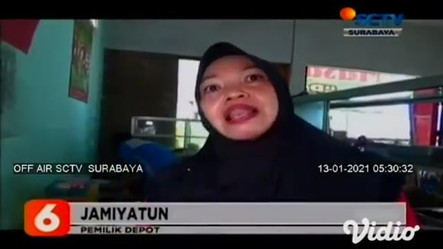 Banyak cara dilakukan pedagang makanan di Ngawi, Jawa Timur, guna menyiasati melonjaknya harga cabai yang terus melambung tinggi. Di antaranya dengan cara mencampur cabai kering, untuk bahan olahan membuat sambal.
