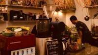 Salah satu kedai kopi di Surabaya, Jawa Timur (Foto:Liputan6.com/Dian Kurniawan)