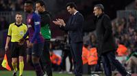 Pelatih Real Madrid, Santiago Solari, menikmati duel kontra Barcelona pada leg pertama semifinal Copa del Rey di Camp Nou, Rabu (6/2/2019). (AFP/Lluis Gene)