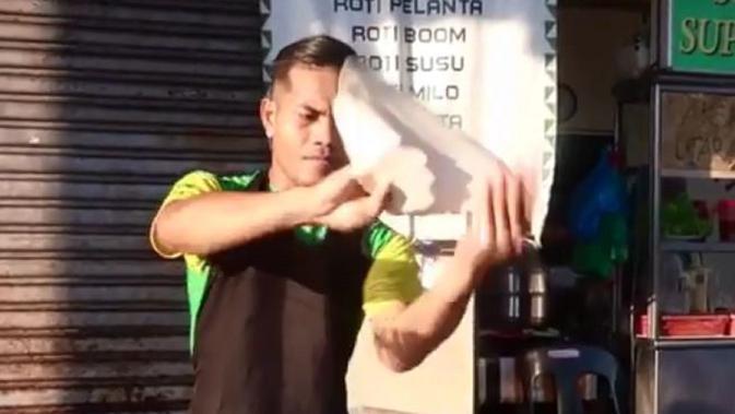 Atraksi Juru Masak Roti Canai Terbang Di Shah Alam Malaysia