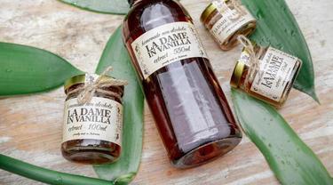 La Dame in Vanilla merupakan salah satu UMKM yang memproduksi dan pelopor ekstrak vanila halal untuk dapat berbagi kecintaan vanila asli kepada masyarakat Indonesia dan dunia.