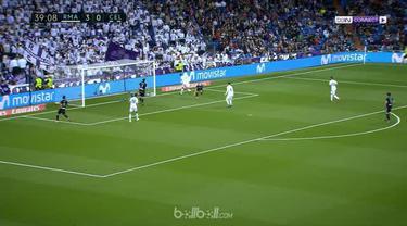 """""""Gareth Bale membukukan dua gol, salah satunya lewat aksi solo keren ketika Real Madrid menghajar Celta Vigo 6-0 di Bernabeu dalam..."""