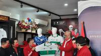 Launching jersey tandang Timnas Indonesia buatan Mills yang dihadiri PSSI, Senin (27/7/2020) di Jakarta. (Istimewa).