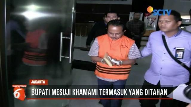 KPK tahan lima tersangka atas kasus dugaan suap proyek infrastruktur di Kabupaten Mesuji, Lampung.