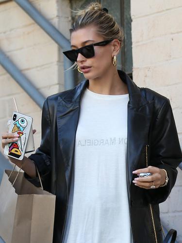 Lewat Media Sosial Hailey Baldwin Beri Dukungan Untuk Selena Gomez News Entertainment Fimela Com