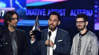 Ajang penghargaan bergengsi untuk para musisi di Amerika kembali dihelat pada tahun 2017 ini. Acara yang bertajuk American Music Awards (AMAs) 2017 ini melahirkan sederet nama musisi sebagai pemenang dalam 28 nominasi. (AFP/Kevin Winter)