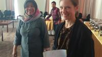 Rini Handayani, Asisten Deputi Perlindungan Anak KPPA dan Emilie Minnick, Spesialis Perlindungan Anak dan Gender Unicef Indonesia. (foto: Liputan6.com / edhie prayitno ige)