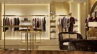 Tiga desainer dunia membuka toko barunya dalam bulan yang sama, Mei ini.