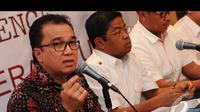 Melalui Tantowi Yahya sebagai Jubir Koalisi Merah Putih menyampaikan tanggapan Prabowo-Hatta mengenai hasil keputusan MK, Jakarta, Kamis (21/8/2014) (Liputan6.com/Andrian M Tunay)