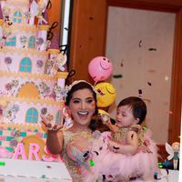 Pasangan Anang Hermansyah dan Ashanty menggelar pesta ulang tahun yang mewah untuk buah hatinya, Arsy Addara. (Deki Prayoga/Bintang.com)