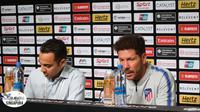Pelatih Atletico Madrid, Diego Simeone, dalam sesi jumpa pers menjelang laga kontra Paris Saint Germain, (Minggu/29/2018). (Bola.com/Wiwig.Prayugi)