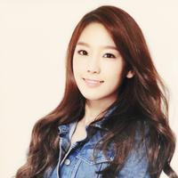Taeyeon SNSD (via onehallyu.com)