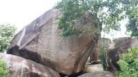 Keindahan Wisata Batu Lampung