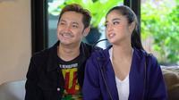 Dewi Perssik dan Angga Wijaya saat tampil di Seribu Kali Cinta The Series