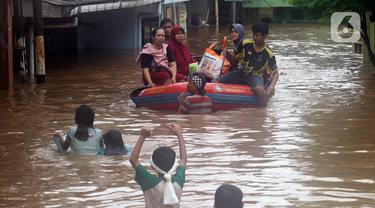 Ciliwung Meluap, Banjir Rendam Kawasan Rawajati