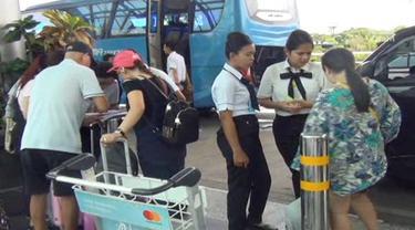 Pasca meletusnya Gunung Agung serta penutupan Bandara Ngurah Rai, ribuan wisatawan China terlantar di bali.
